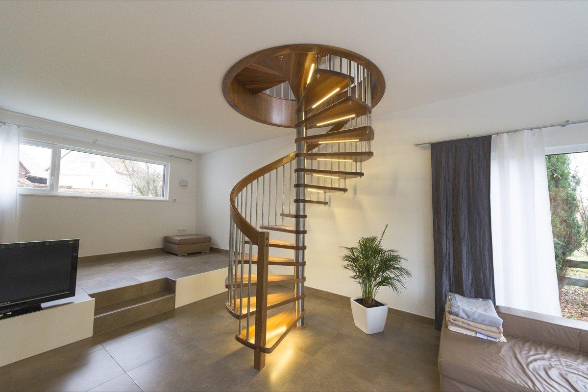wendeltreppe aus fulda gatterdam treppen. Black Bedroom Furniture Sets. Home Design Ideas