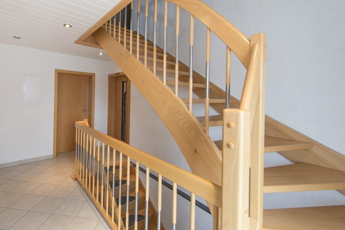 wangentreppe aus fulda gatterdam treppen. Black Bedroom Furniture Sets. Home Design Ideas