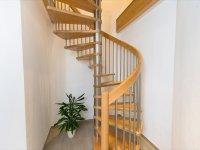 Rundpfosten am Treppenaufgang