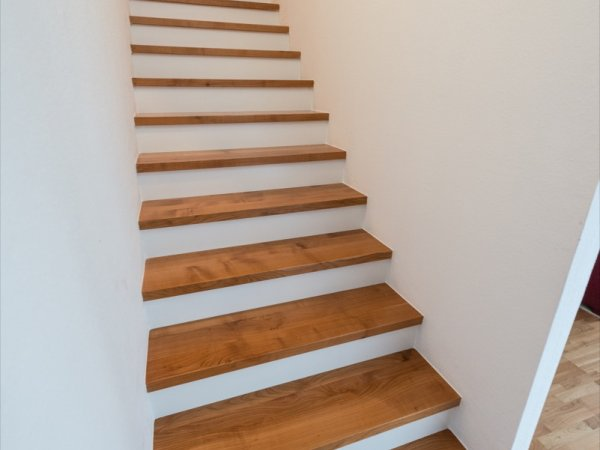 betontreppe mit holz verkleiden gatterdam treppen. Black Bedroom Furniture Sets. Home Design Ideas